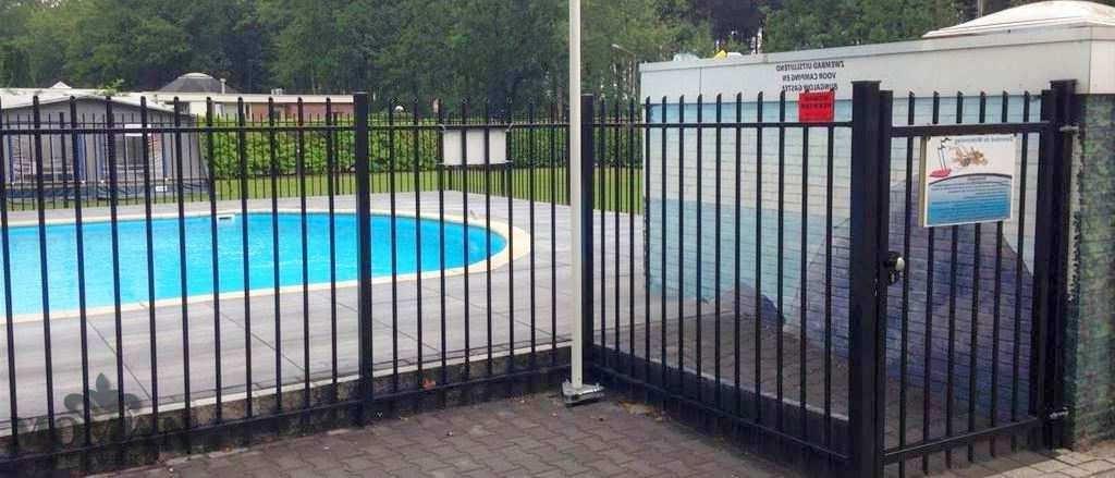 hekwerrk Sneek zwembadtoegang